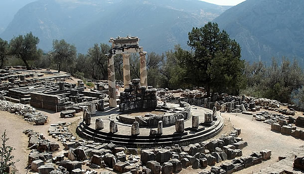 Full Day Private Guided Tour in Athens  & Mainland  Greece