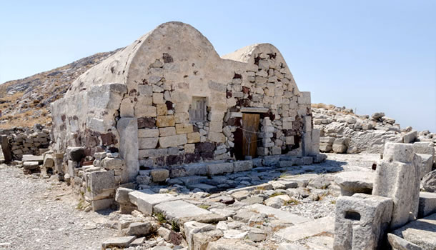 Archaeological Private Tour to visit the Ancient Thira at Kamari, Santorini